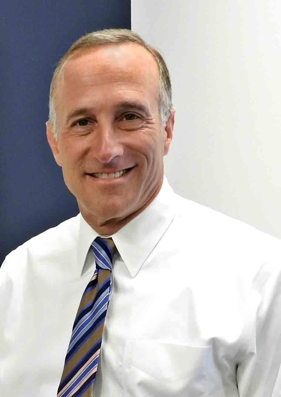 Headshot of Dan Schimberg, Uptown Rental Properties President/Founder.